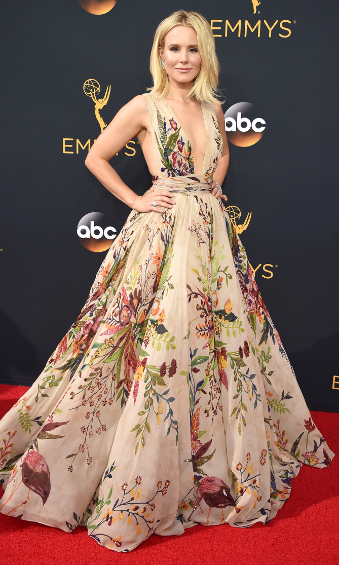 Kristen Bell arrives at the 68th Primetime Emmy Awards on Sunday, Sept. 18, 2016, at the Microsoft Theater in Los Angeles. (Photo by Phil McCarten/Invision for the Television Academy/AP Images)